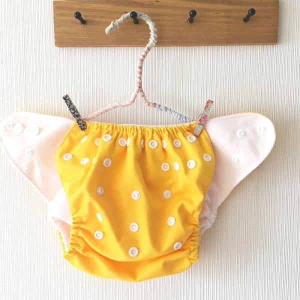 画像2: 立ったまま履けるパンツ型ワンサイズおむつ/トレパンにも♪「ひまわり」ヒマワリ イエロー 黄色