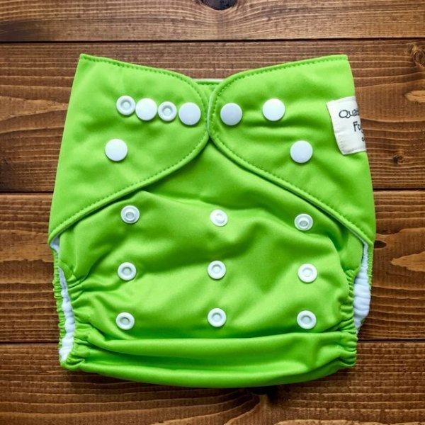 画像1: アップルグリーン【布おむつ本舗オリジナル】ポケット式ワンサイズおむつカバー(スナップ/ツルツル生地)黄緑